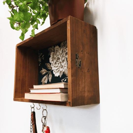 cajón de madera estante