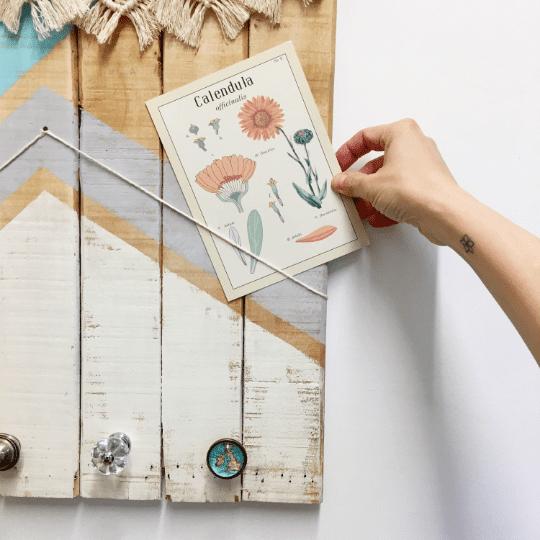 Colgador portafotos de madera natural recuperada